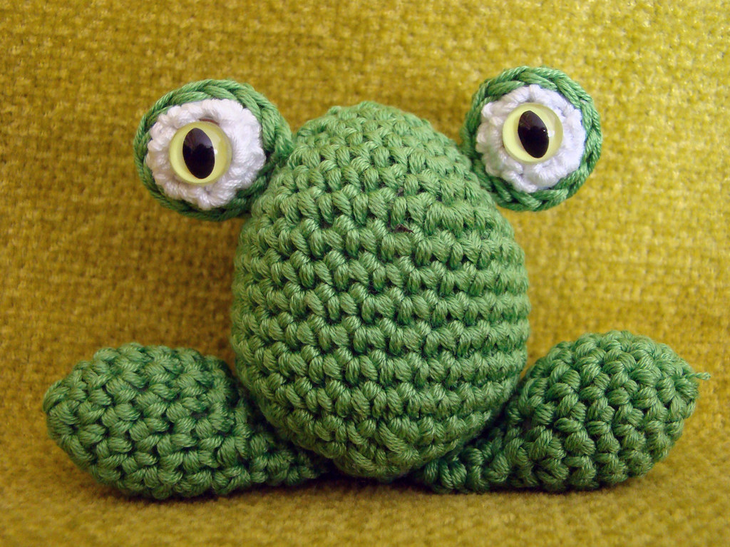 Frog eyes - Crochetbug | 767x1024