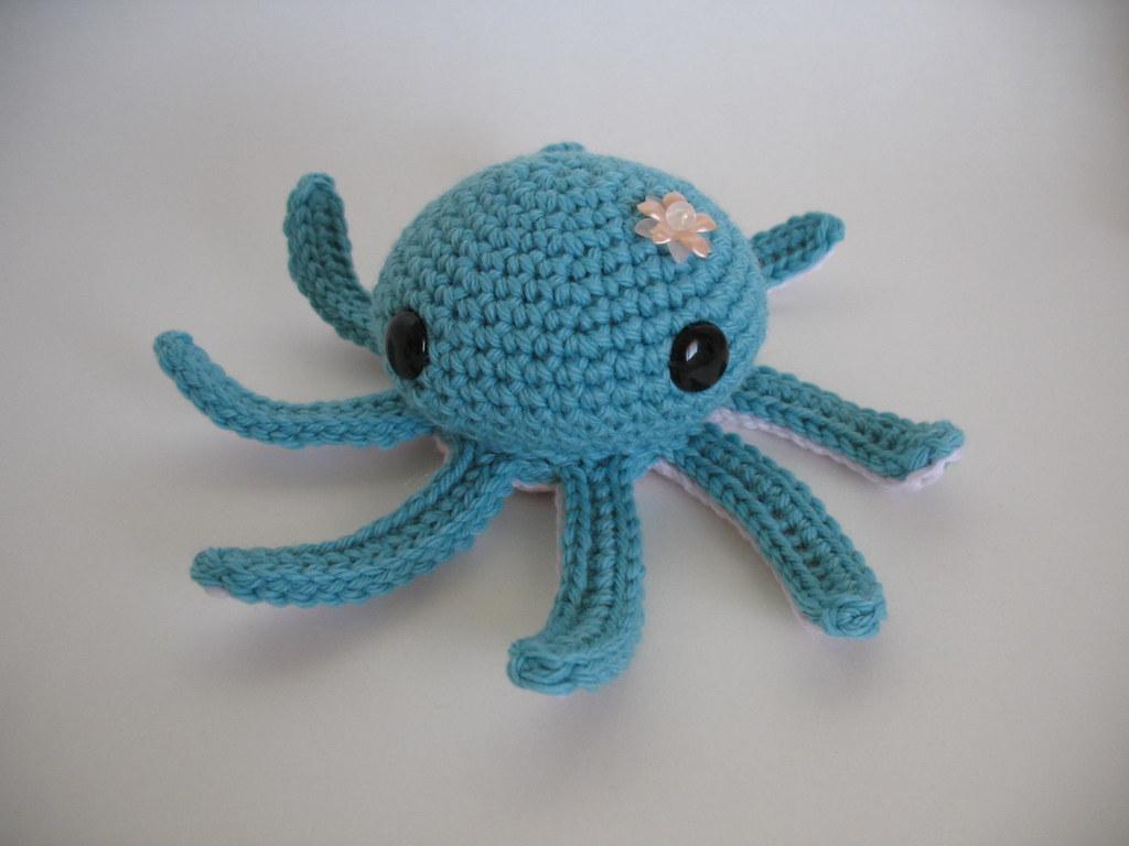 Amazon.com: Geekirumi! handmade crochet amigurumi octopus key ... | 768x1024