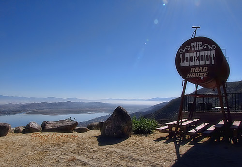 california lake bar view restaraunt peggy ortegahighway lakeelsinore ©allrightsreserved ©peggyhughes thelookoutroadhouse