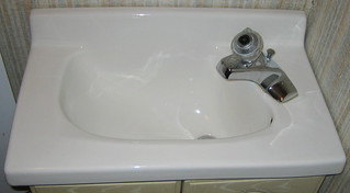 20100806 2031 - Cape Cod - family dinner - bathroom - space-saving faucet placement - IMG_2132 | by Clio CJS