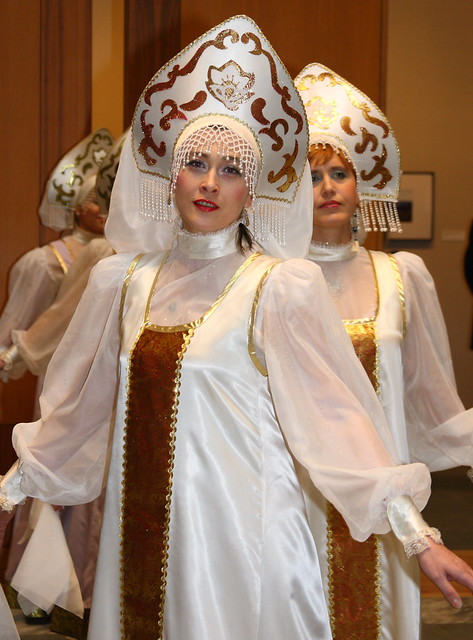Sudarushka Russian cultural dancers at a 2010 Bridge Builders event