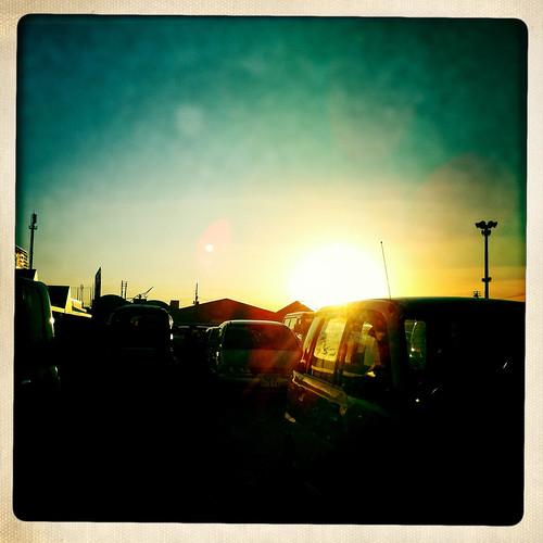 sunset car silhouette japan hokkaido 北海道 日本 magicmoment iphone tomakomai 苫小牧 appleiphone iphone4 hipstamatic file:name=img281320100926iphone288
