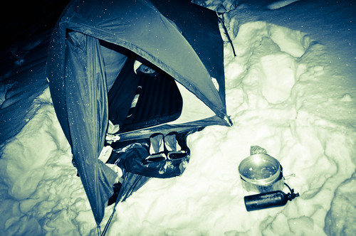 Camping in the snow | by tomsbiketrip.com