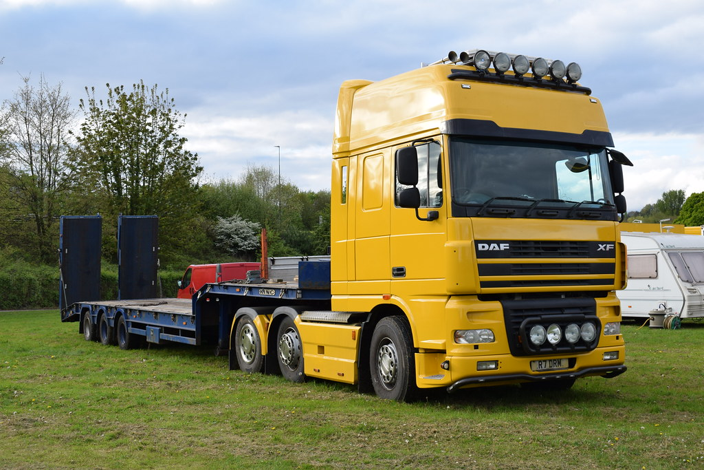 Moscow State Circus UK Tour 2017 DAF XF95 R7 DRM | Moscow St