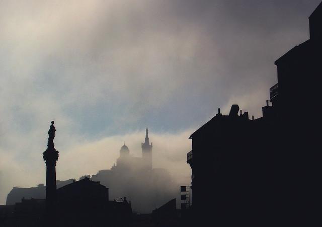 Dans le brouillard - Marseille (Bouches-du-Rhône)