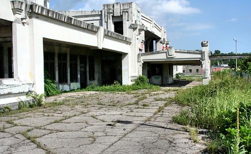 Joplin Union Depot Cracks | by thomaswolfesghost
