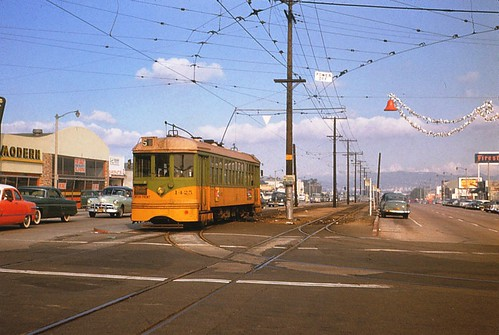 004 - LATL 5 Line Car 1425 Southbound At Crenshaw & 54th St. 19541120 | by Metro Transportation Library and Archive