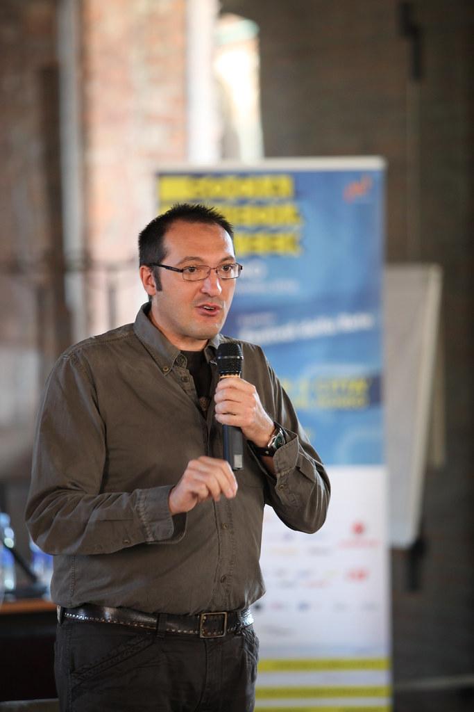 Leandro Agrò :: Social Media Week Milano