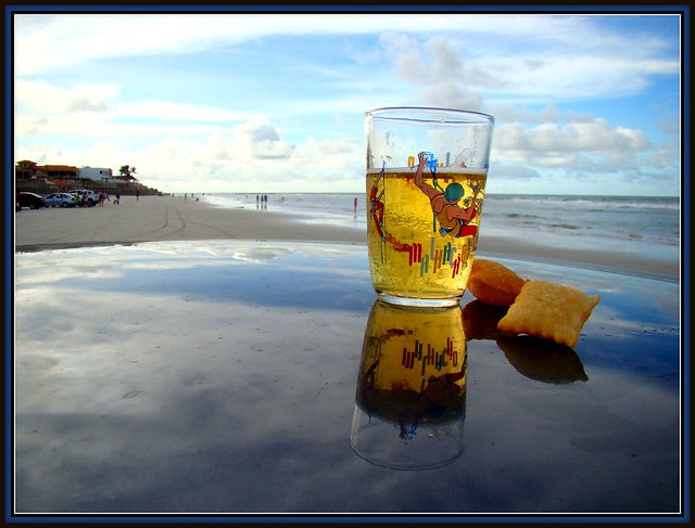 Fim de semana e feriado...Sol, mar, chopp em clima de festa...