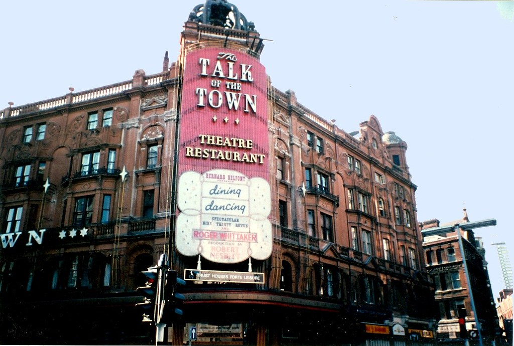 224dc0ac80a79 ... 1976 - London - Talk Of The Town - Roger Whittaker