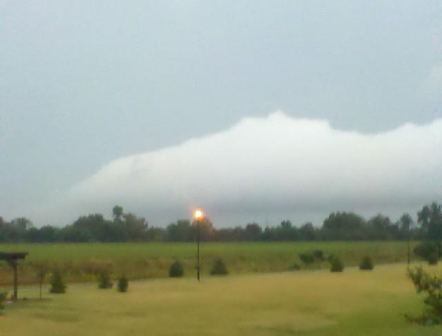 090110 - Morning TStorm Roll Cloud!