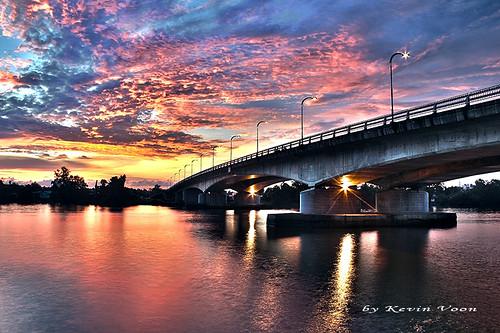 bridge sunset toll kuching