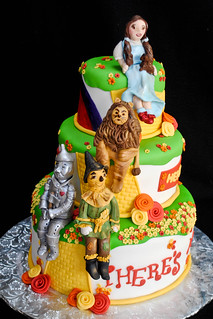 Groovy Wizard Of Oz Cake Im Really Happy With How My Figures Tur Flickr Birthday Cards Printable Riciscafe Filternl