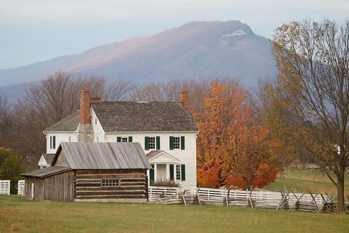 autumn mountain mountains fall farmhouse rural buildings landscape virginia farm shenandoah newmarket shenandoahvalley massanutten