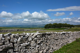 Limestone dry stone walling and blue skies | by Bods