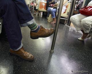 subway sox & shoes    3039