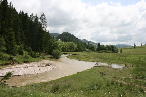 road 30 creek river valley transylvania transilvania 2010 kirándulás trei patak út erdély nyár nyári ardeal június siebenbürgen rumanien úton folyó románia transylvanien szerda völgy háromkút fântâni odavezető hárumkútra