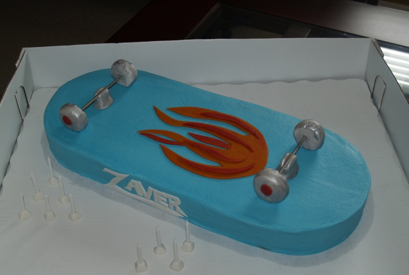 Enjoyable Skateboard Birthday Cake Bc Iced Fondant Decorations Flickr Funny Birthday Cards Online Elaedamsfinfo