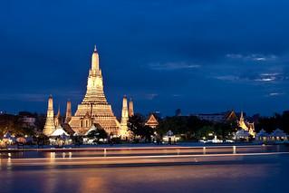 Wat Arun at night overlooking the Chao Phraya River, Bangkok 2009   by Ralph Combs