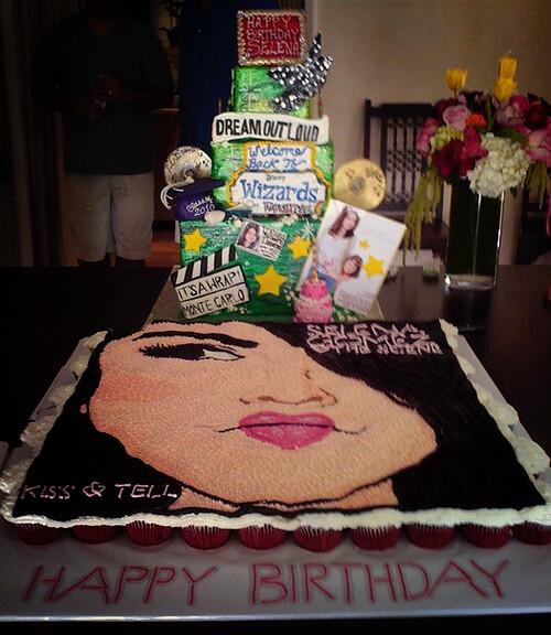 Brilliant Selena Gomez Birthday Cake 24 July Su Fiesta Esta Suced Flickr Funny Birthday Cards Online Drosicarndamsfinfo