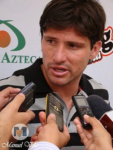 DSC00107 Gabriel Pereyra al final del entrenamiento del Puebla FC por LAE Manuel Vela