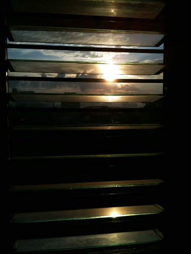 morning sun window sunrise early philippines pk 3gs iphone pcc fpc imag cebusugbo doctian garbongbisaya