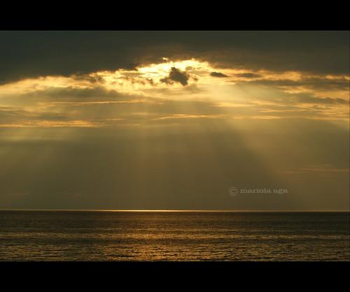 lakemichiganbeach michigan nature summer lake water sun sunset sunrays golden rays clouds sky flickraward5 thegalaxy sailsevenseas