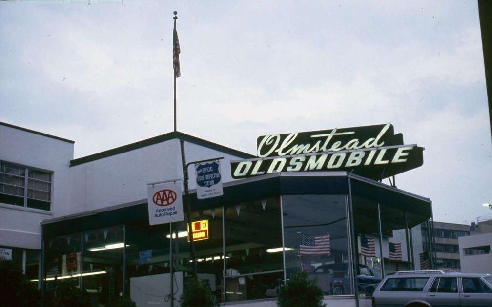 Olmstead Oldsmobile 2000 Wilson Blvd Arlington Va 22201 Flickr