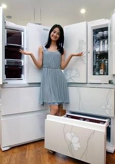 국내 최초 4도어 타입 2011년형 김치냉장고 출시 | by LGEPR