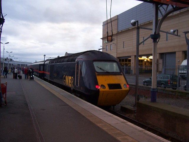 GNER Train in Inverness Station, September 2007