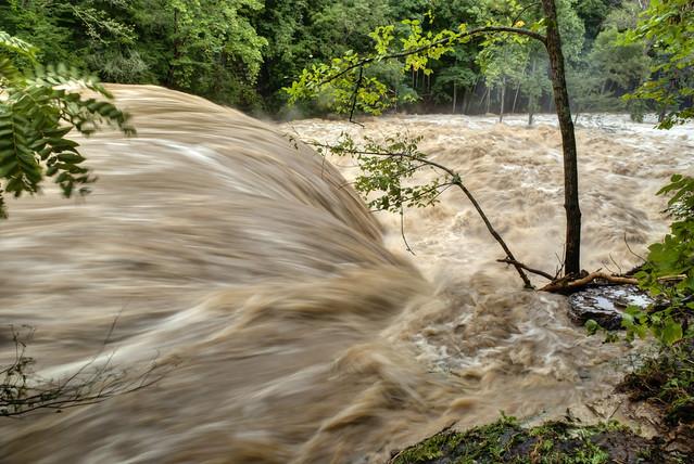 Waterloo Falls, Spring Creek, Flood stage, Overton Co, TN