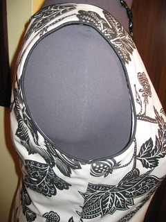B5147 Side View of Armhole with Piping