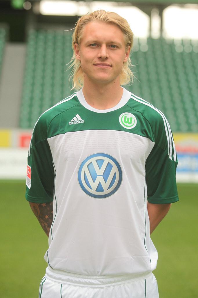 Simon Kjaer (34) VFL Wolfsburg Saison 2010/2011   Simon
