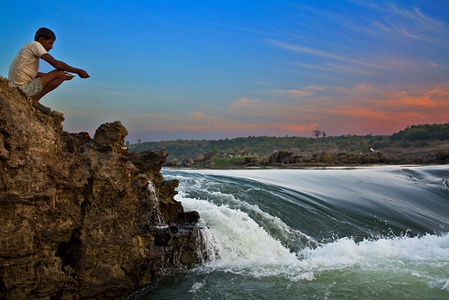 sunset people india water canon river eos dusk narmada jabalpur 450d canonefs1855mmf3556is aksveer