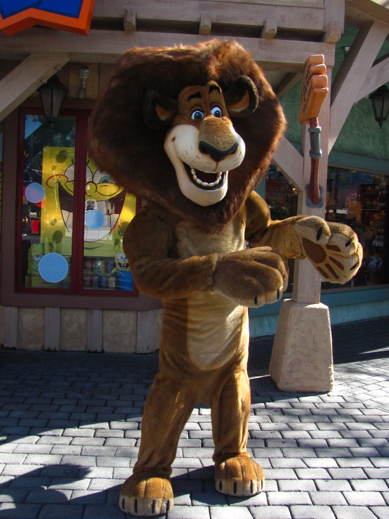 Meeting Alex The Lion At Universal Studios Loren Javier Flickr