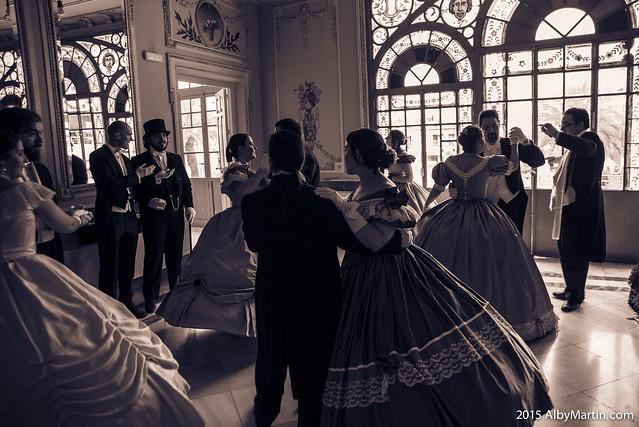 Victorian ball gowns. 1860's ladies and gentlemen dancing a walz. X Ruta Literaria del Romanticismo. JUNIO 2015. ALMENDRALEJO.