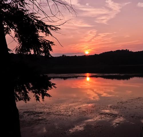 sunset summer lake nature reflections landscape evening pond dusk upstatenewyork beautyinnature southnewberlinnewyork huntspondstatepark