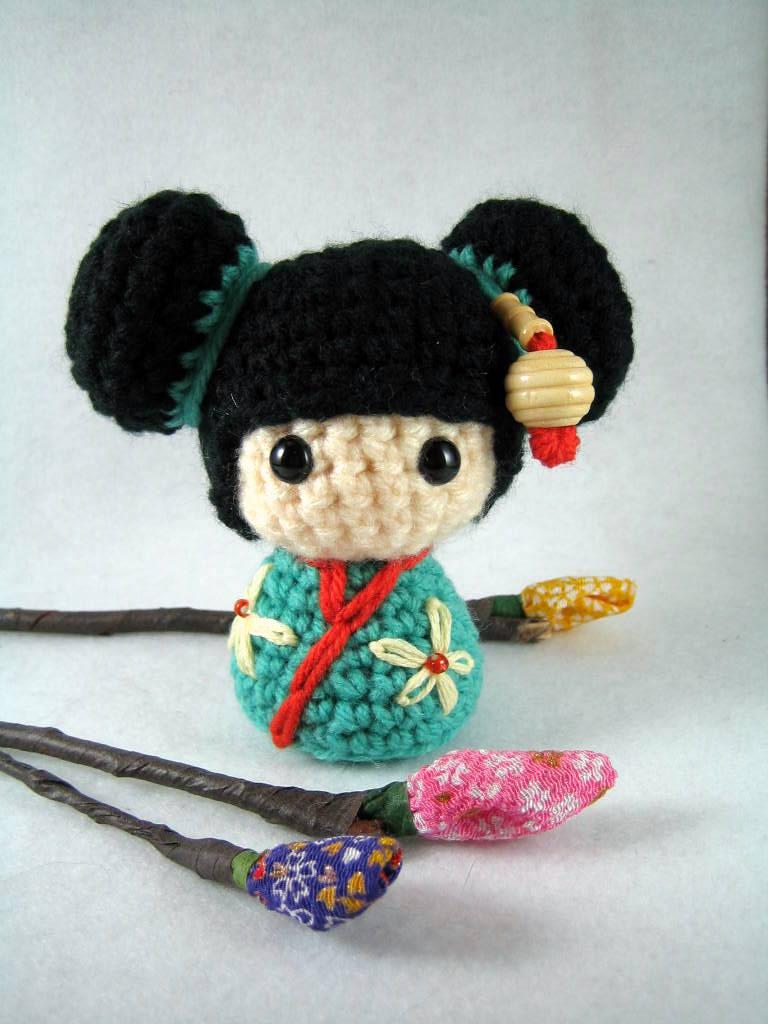 mon makes things: Amigurumi Kokeshi Doll: Pattern Test | 1024x768