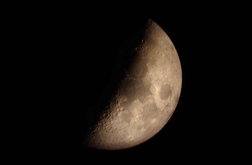 Luna cuarto creciente   astrofotograncanaria.blogspot.com/ w ...