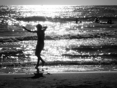 Immagina che il paradiso non esista. Non passeresti il tempo a danzare? | by Geomangio