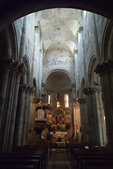 Templombelső oltárral