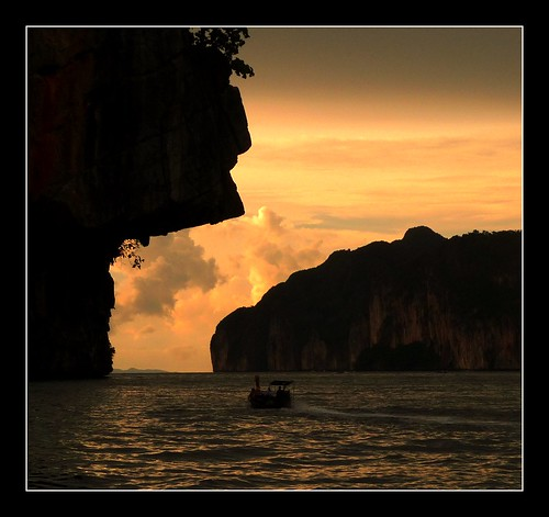 Koh Phi Phi Leh: Sunset Near Maya Bay, Koh Phi Phi Leh, Thailand