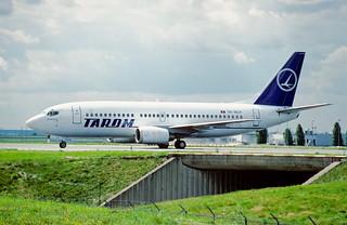 144dm - TAROM Boeing 737-36M; YR-BGY@CDG;10.08.2001
