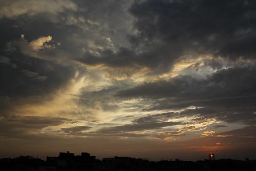 sunset birds night clouds canon cloudy delhi anand pankaj firstshot parbat amazingclouds karolbagh 550d justclouds t2i delhiclouds anandparbat anandparbatclouds pankajanand18