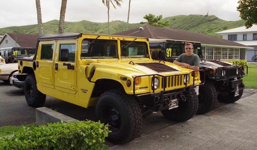 Hummers For Sale >> Hummers For Sale 80k At The Ford Dealership Kailua Flickr
