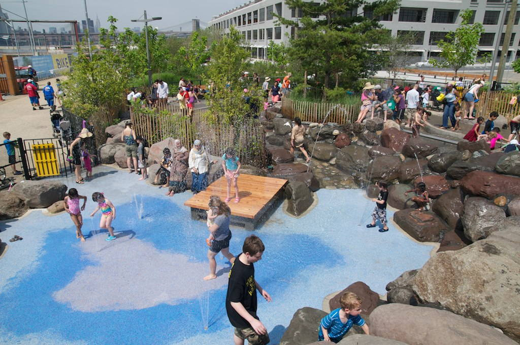 Pier 6 water park, Brooklyn Bridge Park