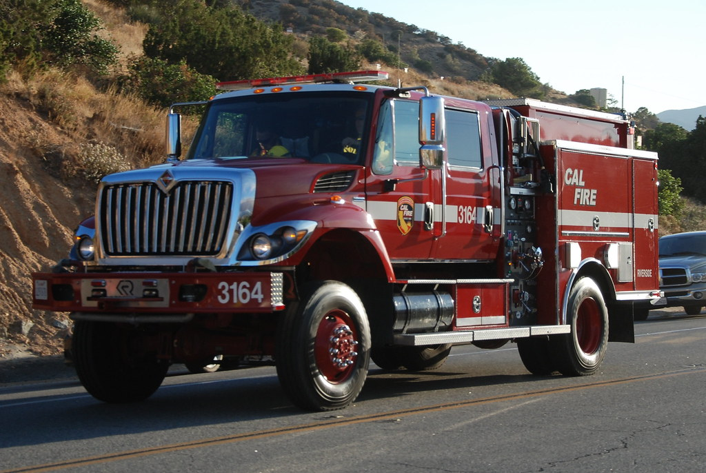 CAL FIRE - INTERNATIONAL FIRE TRUCK 3164