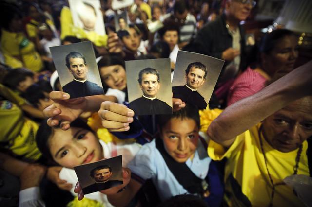 Alegría salesiana por restos de don Bosco