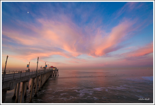 ocean california moon seascape beach clouds sunrise canon landscape pier waves unitedstates huntington 7d surfers orangecounty huntingtonbeach hb huntingtonbeachpier surfcityusa lightroom3 canon7d slabacheski