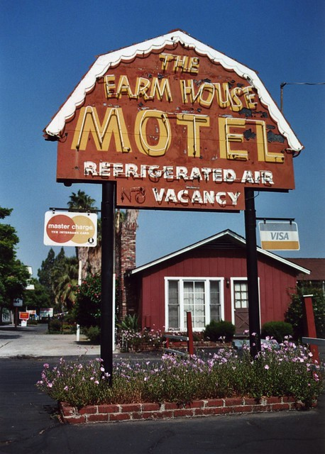 Farm House Motel - Riverside, CA